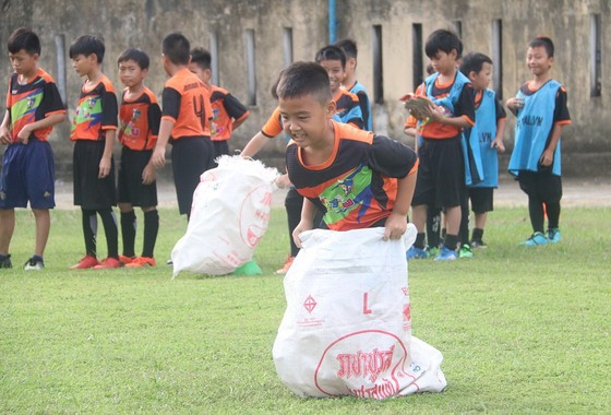 CLB Bóng đá cộng đồng Immanuel Huế đón sinh nhật lần đầu tiên  ảnh 1