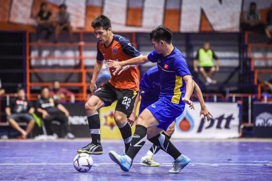 ĐT futsal Việt Nam hòa trận đầu tiên tại Thái Lan. Ảnh: Đoàn Nhật
