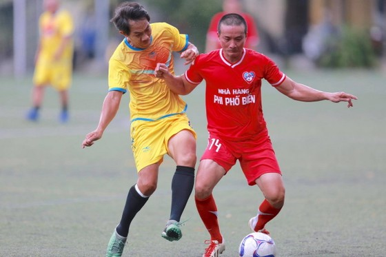 Cựu cầu thủ Cảng Sài Gòn tranh chung kết cùng cựu Sinh viên TPHCM ảnh 2