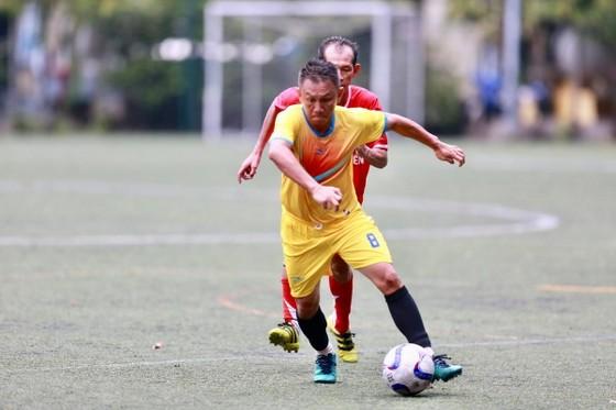 Cựu cầu thủ Cảng Sài Gòn tranh chung kết cùng cựu Sinh viên TPHCM ảnh 3