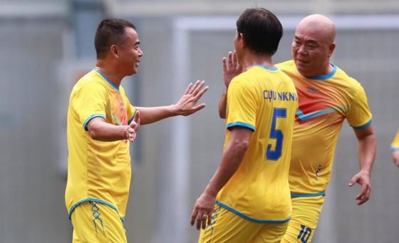Cựu cầu thủ Cảng Sài Gòn tranh chung kết cùng cựu Sinh viên TPHCM ảnh 4