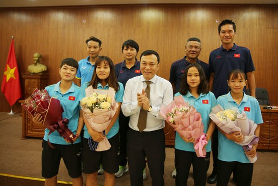 Ngày 20-10 với các tuyển thủ nữ Việt Nam ảnh 1