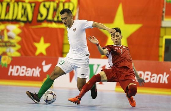Bất phân thắng bại cùng Indonesia, Việt Nam tiếp tục dẫn đầu bảng A ảnh 1