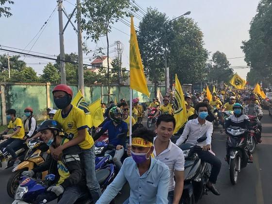 """CĐV Thanh Hóa kêu gọi """"phủ vàng"""" sân Bình Dương ở vòng 26 để cổ vũ đội nhà. Ảnh: Dũng Phương"""