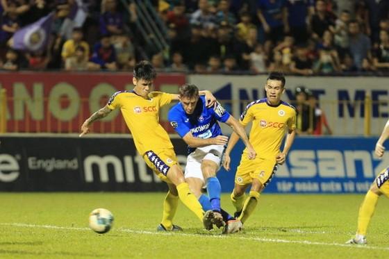 Đánh bại ĐKVĐ Hà Nội 4-2, Than Quảng Ninh xứng đáng giành HCĐ ảnh 1
