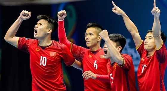 """ĐT futsal Việt Nam sẽ """"đè"""" được Thái Lan vào chiều 2510? Ảnh: Anh Trần"""