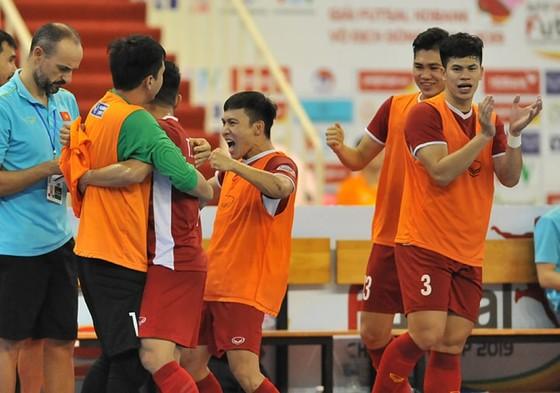 Việt Nam giành vé dự VCK futsal châu Á 2020 ảnh 6