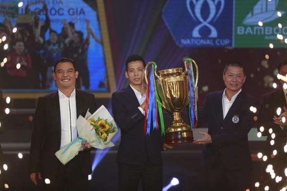 CLB Hà Nội lần thứ 5 vô địch V-League. Ảnh: Minh Hoàng