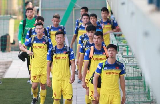 Đội tuyển Việt Nam thả lỏng sẵn sàng tiếp Thái Lan ảnh 1