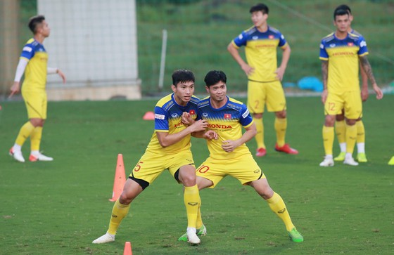 Đội tuyển Việt Nam thả lỏng sẵn sàng tiếp Thái Lan ảnh 2
