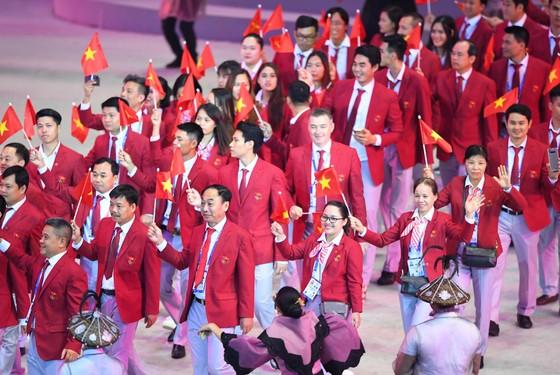Thể thao Việt Nam ra quân rầm rộ trong ngày 1-12. Ảnh: DŨNG PHƯƠNG
