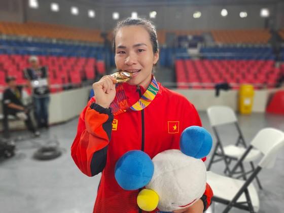 Vương Thị Huyền nén nỗi đau mất cha để giành HCV SEA Games ảnh 2