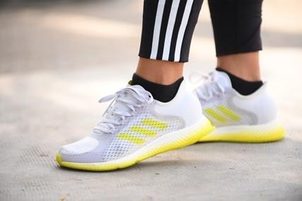 adidas cùng phụ nữ tập luyện tinh thần với 'Run To Reconnect' ảnh 2