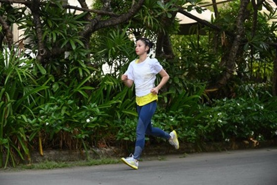 """VĐV Châu Tuyết Vân cũng góp mặt trong sự kiện """"Run To Reconnect"""" dành cho phái nữ trong năm 2020."""