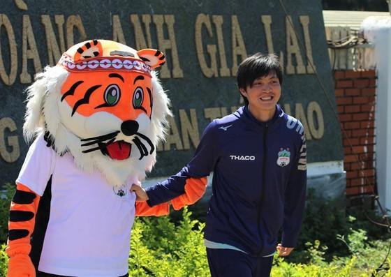 Ông Park đang hy vọng Tuấn Anh sớm lấy lại phong độ. Ảnh: HAGLFC