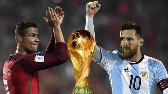 Vượt qua Messi, Ronaldo trở thành cầu thủ hay nhất mọi thời đại ảnh 1