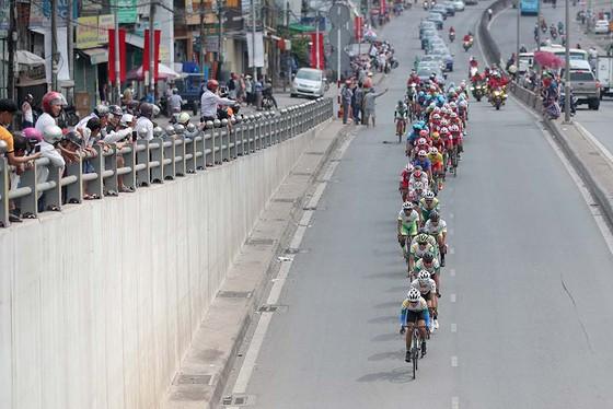 Cúp xe đạp truyền hình TPHCM khởi động cho thể thao Việt Nam ảnh 1