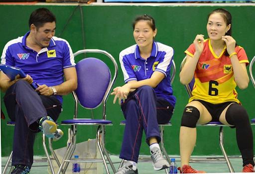 HLV Nguyễn Thị Ngọc Hoa (giữa) sẽ dẫn dắt đội U23 VTV Bình Điền Long An dự giải U23 quốc gia năm 2020.