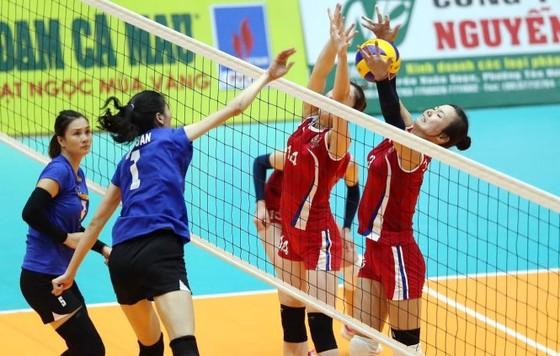 Vòng 2 Giải bóng chuyền VĐQG 2020: Kim Huệ và Đoàn Thị Xuân trở lại đội hình Ngân hàng Công thương ảnh 2