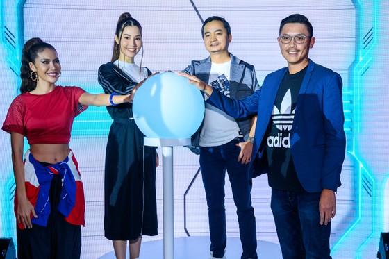 Bùi Tiến Dũng và Nguyễn Tiến Linh xuất hiện tại buổi khai trương Sport Performance của adidas ảnh 1