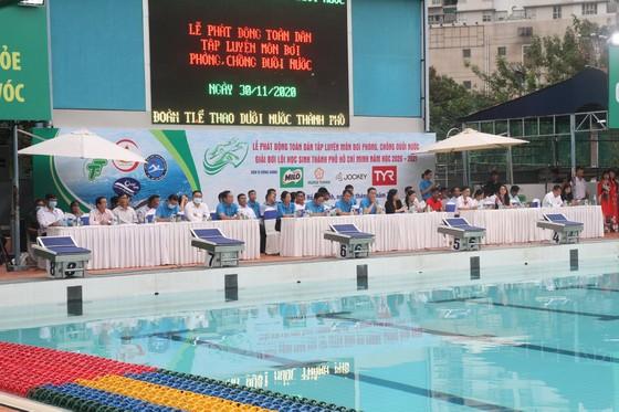 TPHCM phổ cập bơi và các kỹ năng chống đuối nước cho trẻ em và cộng đồng ảnh 1