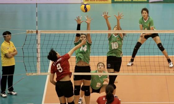 Cúp bóng chuyền Hoa Lư - Bình Điền 2021: VTV Bình Điền Long An và Tràng An Ninh Bình thắng dễ ảnh 1