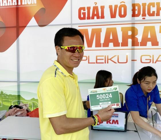 HLV Trần Văn Sỹ (Đội tuyển điền kinh Việt Nam) sẽ thi đấu giải năm nay. Ảnh: MINH CHIẾN