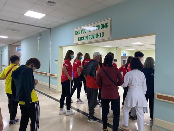 17 thành viên đầu tiên của thể thao Việt Nam được tiêm vaccine Covid-19 ảnh 2
