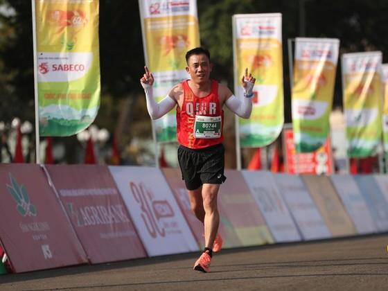 VĐV Lê Đức Kế bị cấm thi đấu vĩnh viễn tại giải marathon truyền thống này.