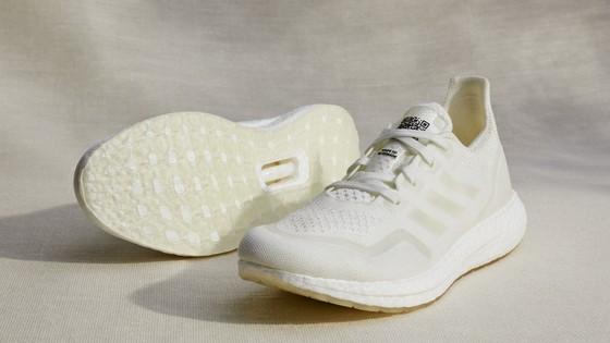 Adidas nỗ lực chấm dứt rác thải nhựa qua các mẫu giày chạy của tương lai ảnh 1