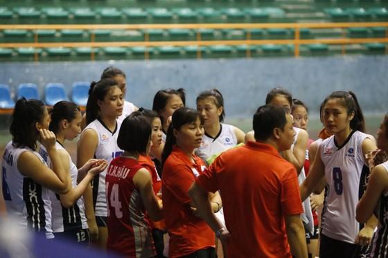 HLV Phạm Minh Dũng chính thức dẫn dắt đội bóng chuyền nữ Bộ Tư lệnh Thông tin ảnh 1