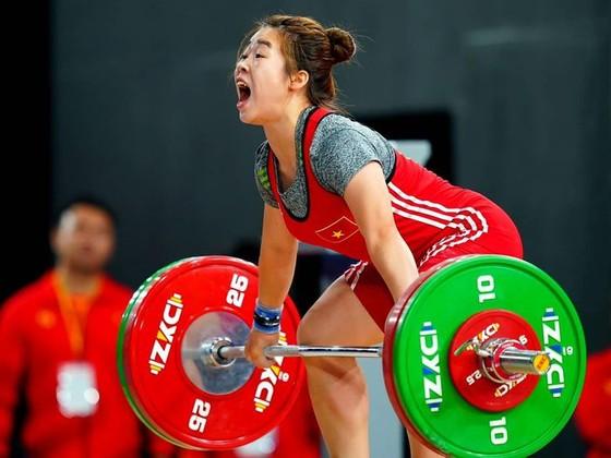 Nữ lực sĩ Hoàng Thị Duyên hiện xếp thứ 10 thế giới ở hạng cân 59kg nữ.