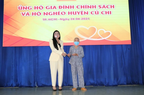 Xuyên Việt Oil trao tặng 5 tỷ đồng đến các gia đình chính sách ở huyện Củ Chi ảnh 1