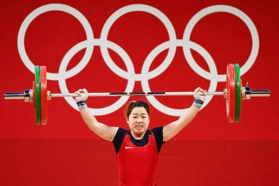 Các tuyển thủ cử tạ Việt Nam sẽ khong tham gia tranh tài tại châu Á và thế giới trong năm 2021.
