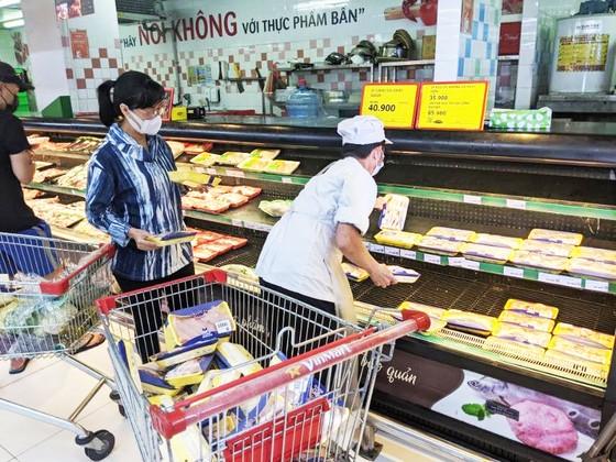 Siêu thị, chợ online ồ ạt giảm giá thịt cá rau củ  ảnh 1