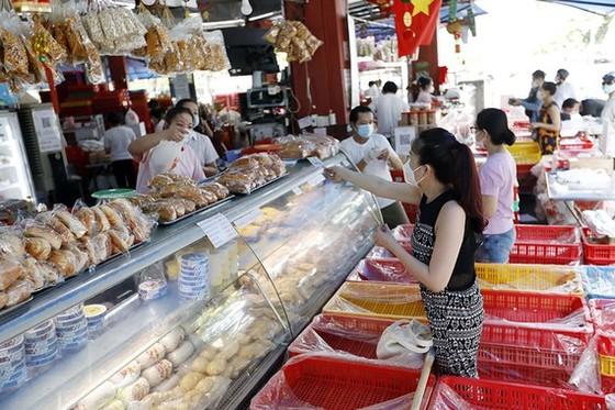Shipper đã chạy, siêu thị mở bán online, người dân TPHCM vẫn trầy trật mua thực phẩm  ảnh 2