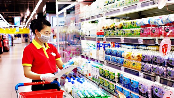 Shipper đã chạy, siêu thị mở bán online, người dân TPHCM vẫn trầy trật mua thực phẩm  ảnh 1