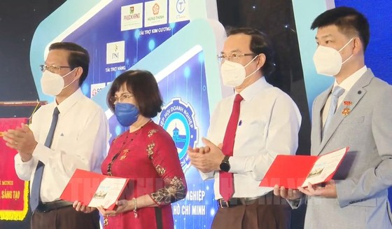 Chủ tịch UBND TPHCM Phan Văn Mãi: Trong khó khăn chúng ta nhìn thấy bản lĩnh của doanh nhân ảnh 1