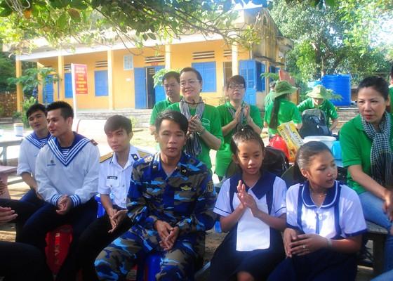 Đoàn công tác TPHCM kết thúc chuyến thăm cán bộ, chiến sĩ và nhân dân các đảo Tây Nam ảnh 2