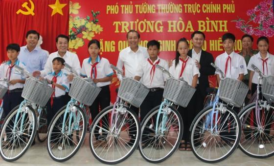 Phó Thủ tướng Trương Hòa Bình: Cà Mau cần đột phá để trở thành tỉnh khá ảnh 2