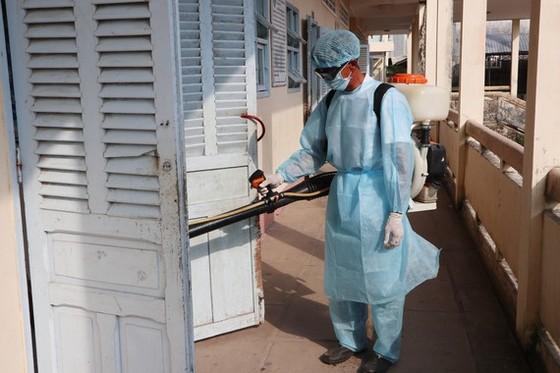 Ngày thứ ba liên tiếp Cà Mau có hơn 150 học sinh nhập viện liên quan đường hô hấp ảnh 1