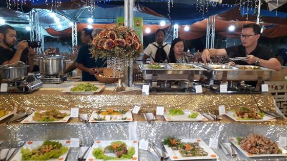 Cà Mau: Bữa tiệc cua 25 món và chảo cua rang me khổng lồ tại Liên hoan ẩm thực ảnh 1