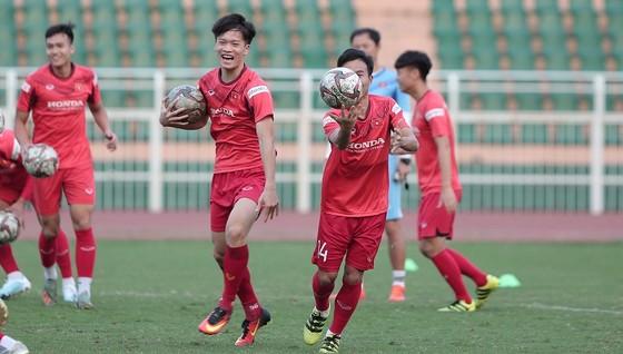 U23 Việt Nam tiếp tục tập kín khi trở về nước  ảnh 1