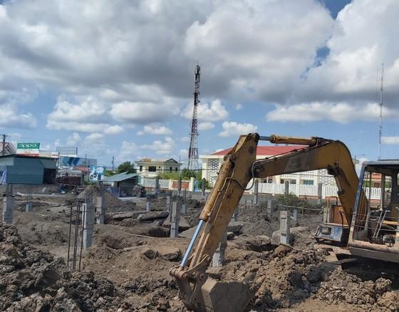 Cà Mau: Nhà thầu bức xúc khi huyện 'làm ngơ' kiến nghị của Hội đồng tư vấn tỉnh ảnh 1