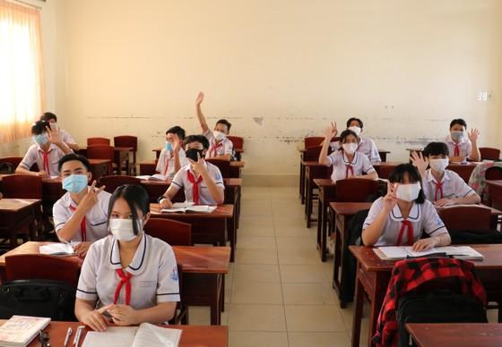 Cà Mau, Thanh Hóa: Học sinh đi học trở lại ảnh 1