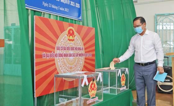 Bầu cử tại cột cờ Hà Nội tại Mũi Cà Mau - điểm cực Nam Tổ quốc  ảnh 1