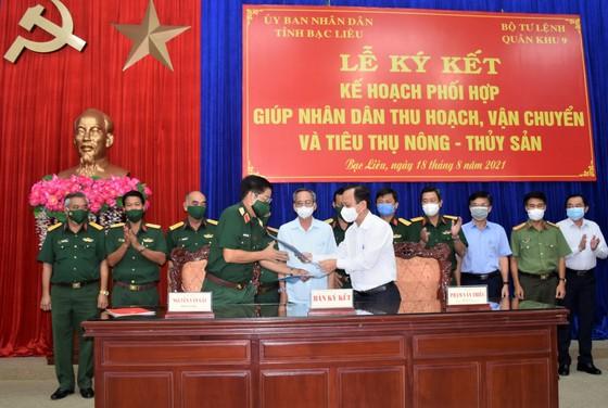 Quân khu 9 hỗ trợ Bạc Liêu thu hoạch, vận chuyển và tiêu thụ nông thủy sản ảnh 1