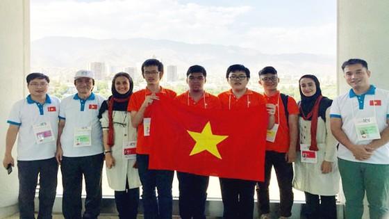 Việt Nam đoạt 1 HCV và 2 HCĐ Olympic Tin học quốc tế ảnh 1