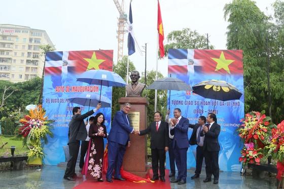 Khánh thành tượng đài Giáo sư Juan Bosch - Người kết nối những trái tim Việt Nam và CH Dominicana ảnh 1