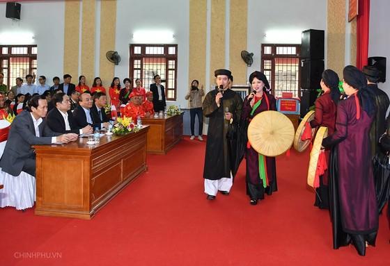 Thủ tướng Nguyễn Xuân Phúc dự Ngày hội Đoàn kết toàn dân tộc ảnh 1